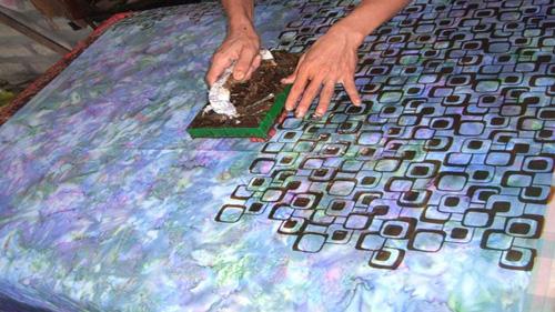 how-to-make-batik-fabric-5